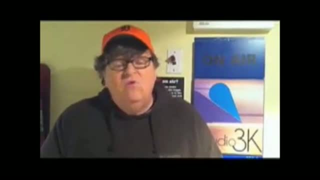 Michael Moore Calls On Police To Join Occupy Wall Street Protests Like Egyptian Army Did In Cairo