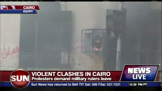 9 dead in fresh rioting Cairo Dec 17 2011 anti-religious rule