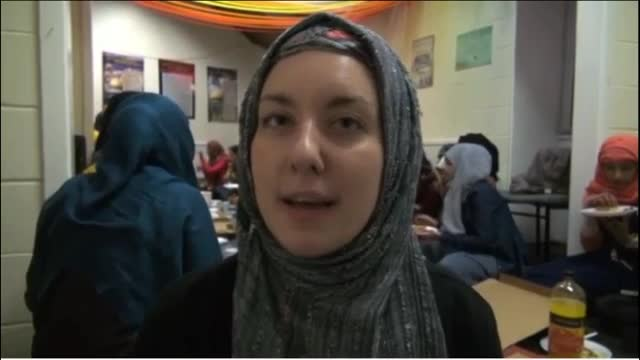 British students wear hijab for a week