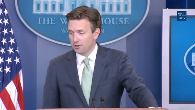 WH: Obama 'Gratified' With Admission of 10,000 Syrian Refugees; Wants to 'Ramp Up Our Commitment'
