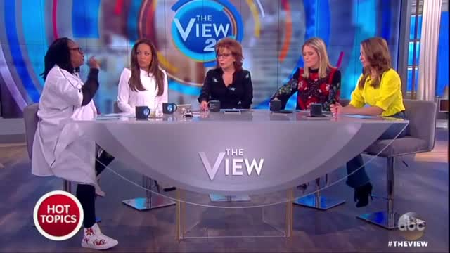Whoopi Wrongly Insists Fox Pushed Birtherism; Fox Actually Debunked It